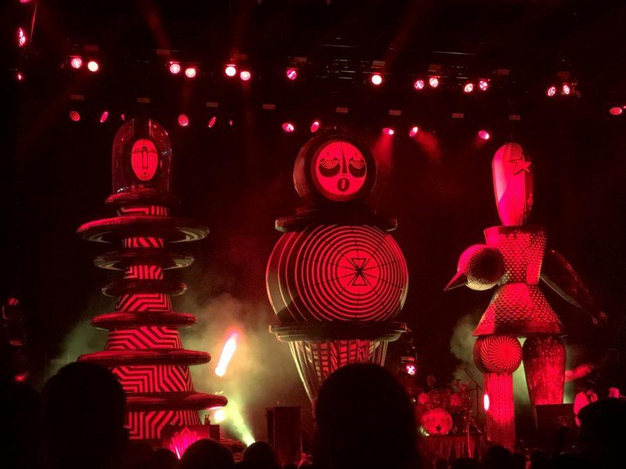 Smashing Pumpkins Balloons representing the original three members.