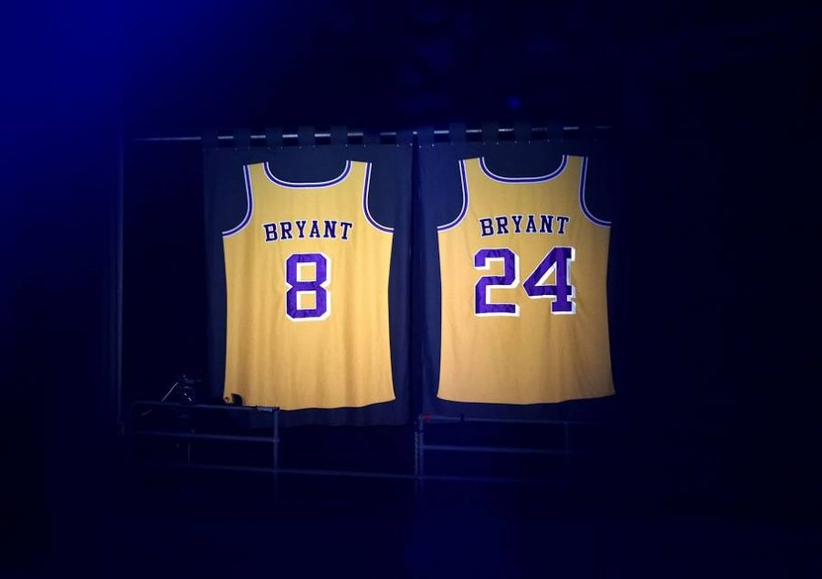 Kobe+Bryant%27s+two+retired+jerseys+lit+up+in+tribute+of+him+and+everyone+who+passed+away+in+the+helicopter+crash+that+took+place+earlier+that+morning.